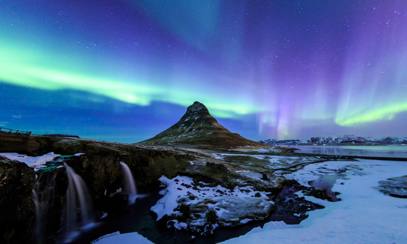 iceland_aurora_northern_lights_kirkjufell_mountain