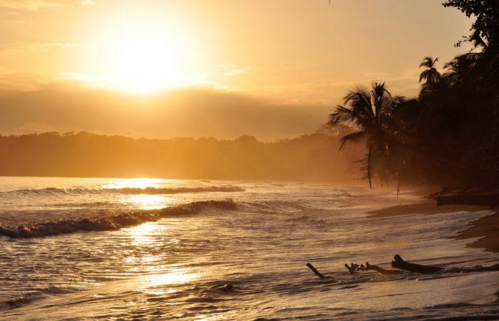 Costa Rica group tour beach-sunset---Armando-Maynez