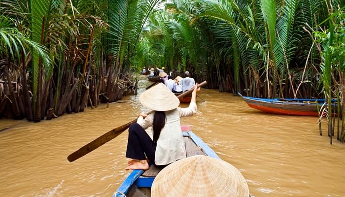 PEREGRINE Gourmet Explorer Vietnam boat