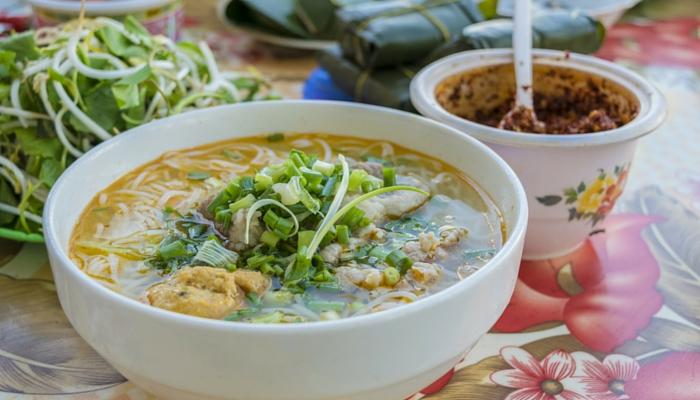 PEREGRINE Gourmet Explorer Vietnam soup