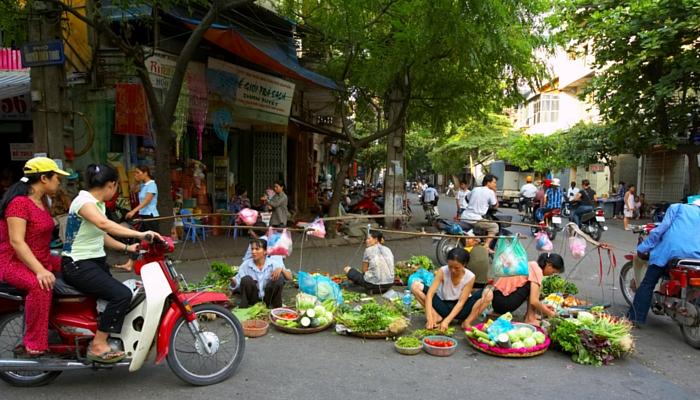 PEREGRINE Gourmet Explorer Vietnam street stall
