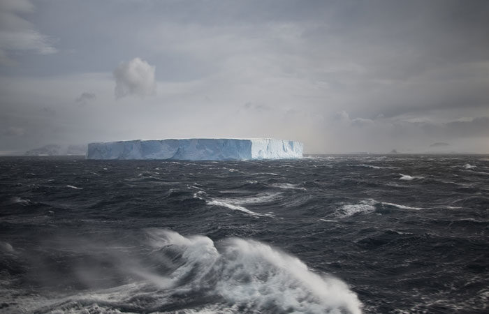Polar-crossing-the-Drake-Passage---Lucy-Piper