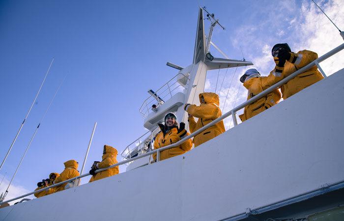 Polar-passengers-in-Antarctica---Lucy-Piper
