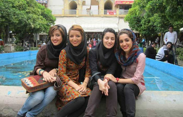 Iran women fountain