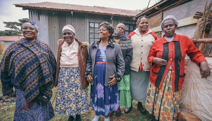 Local Kenyan women in the In Focus program