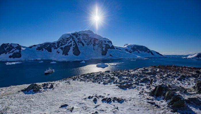The dramatic Antarctic coastline