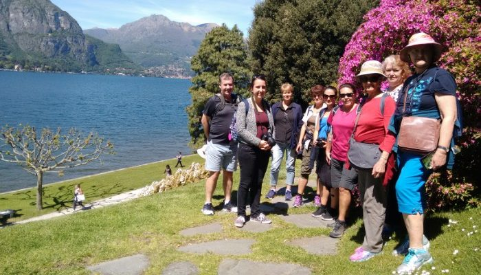 Group of travellers at Lake Garda
