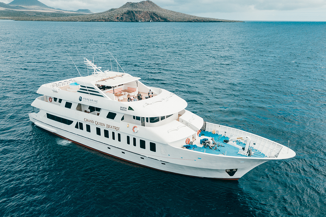 Grand Queen Beatriz yacht