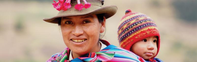 peru cuzco sacsayhuaman mother child