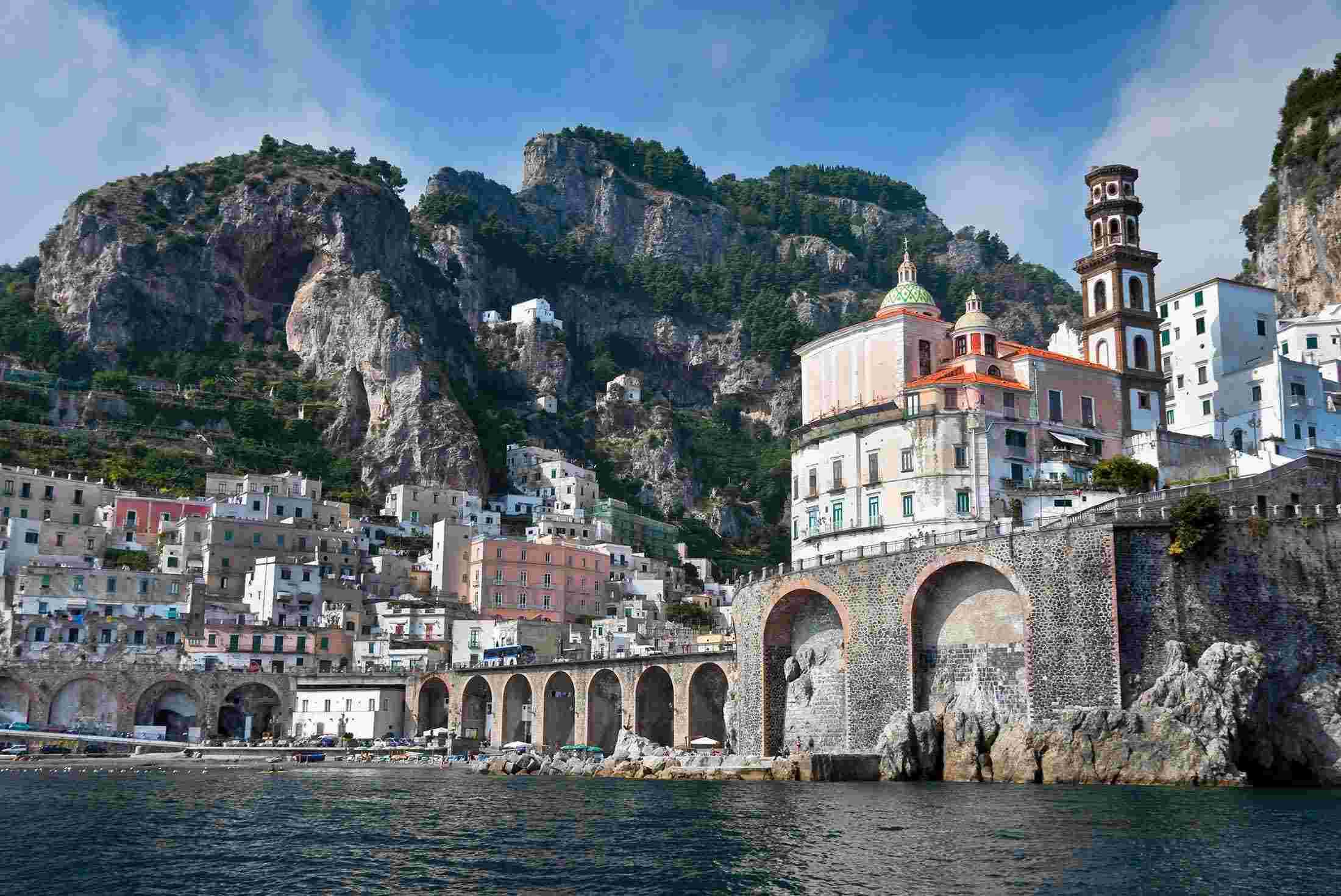 amalfi dating site Visit beautiful amalfi coast with fellow 18-35 year old adventurers and travel with   dating back to the byzantine era, the republic of amalfi once celebrated.