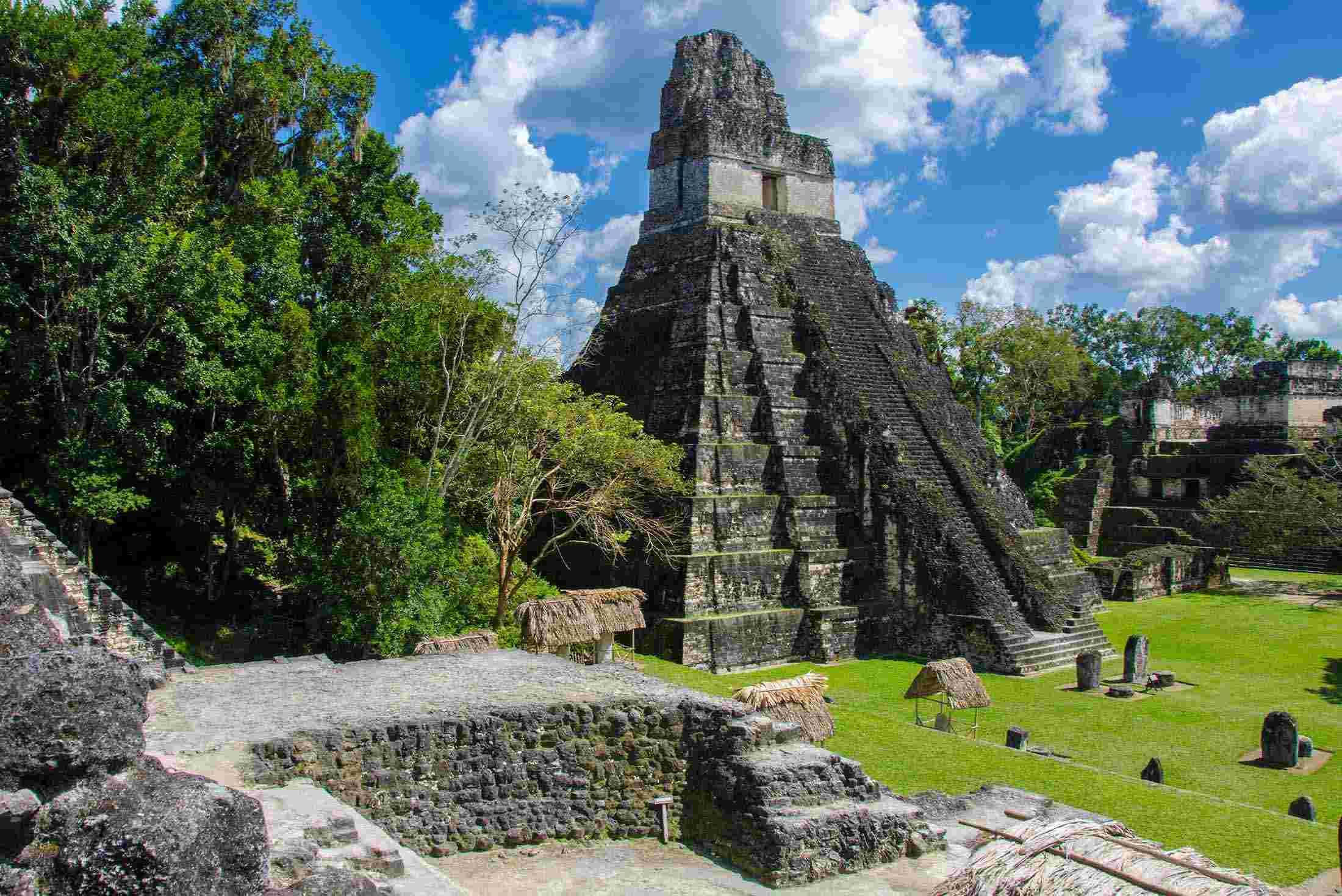 Mayan temples at Tikal 9a33912889f