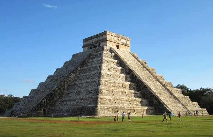 Mexico-Maya-ruins-Chichen-Itza---David-Stanley