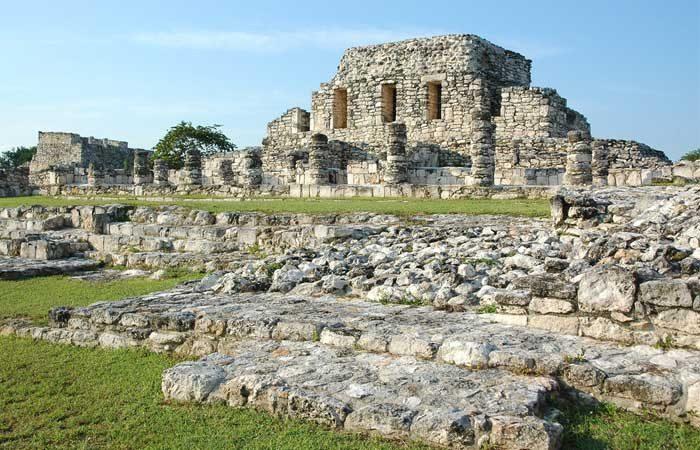Mexico-Maya-ruins-Mayapan---Richard-Well